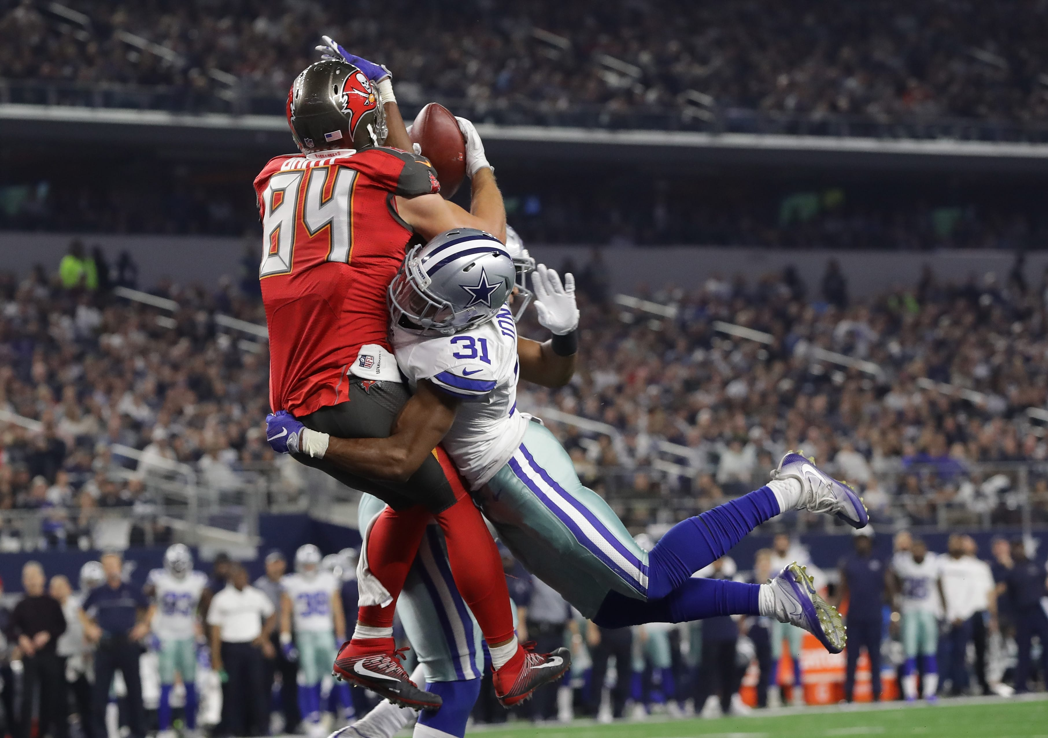 hot sale online f6436 97a5a Buy Tampa Bay Buccaneers Football Tickets for Sale Online